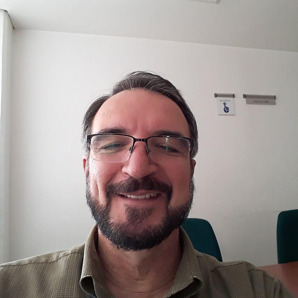Dr. Luis Nuñez